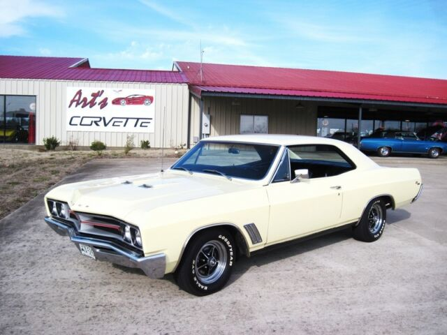 1967 buick gs 400 400 auto yellow black nice used buick other for sale in bowling. Black Bedroom Furniture Sets. Home Design Ideas