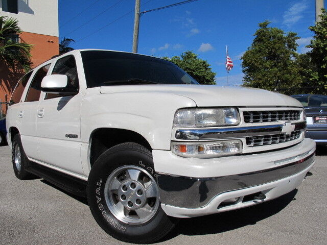 chevy tahoe leather 3rd row seat v8 4x4 suv no reserve carfax certified used chevrolet. Black Bedroom Furniture Sets. Home Design Ideas