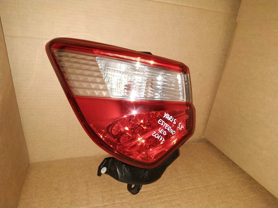 Fanale posteriore led toyota yaris 2018 2