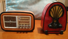Radio d'epoca in miniatura