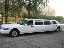 Limousine ford lincoln town car