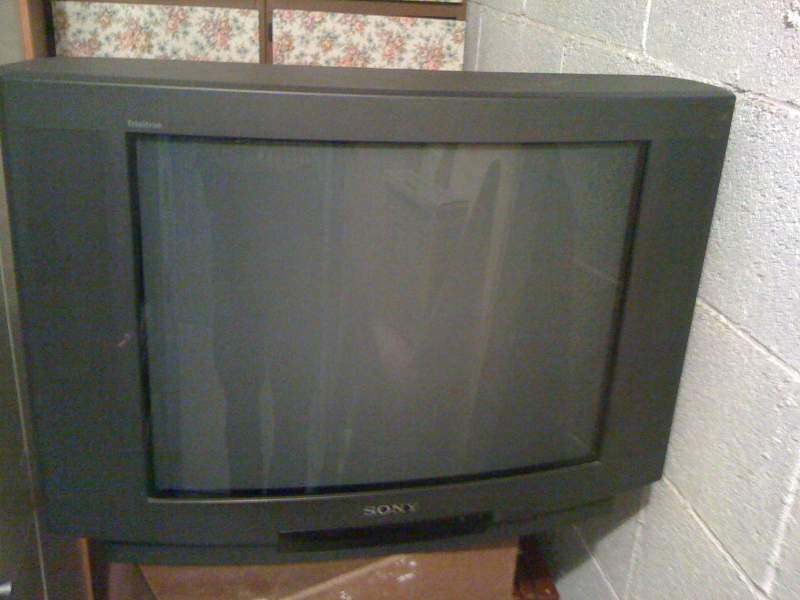 TV Color SONY supertriniton 28 pollici CRT 2