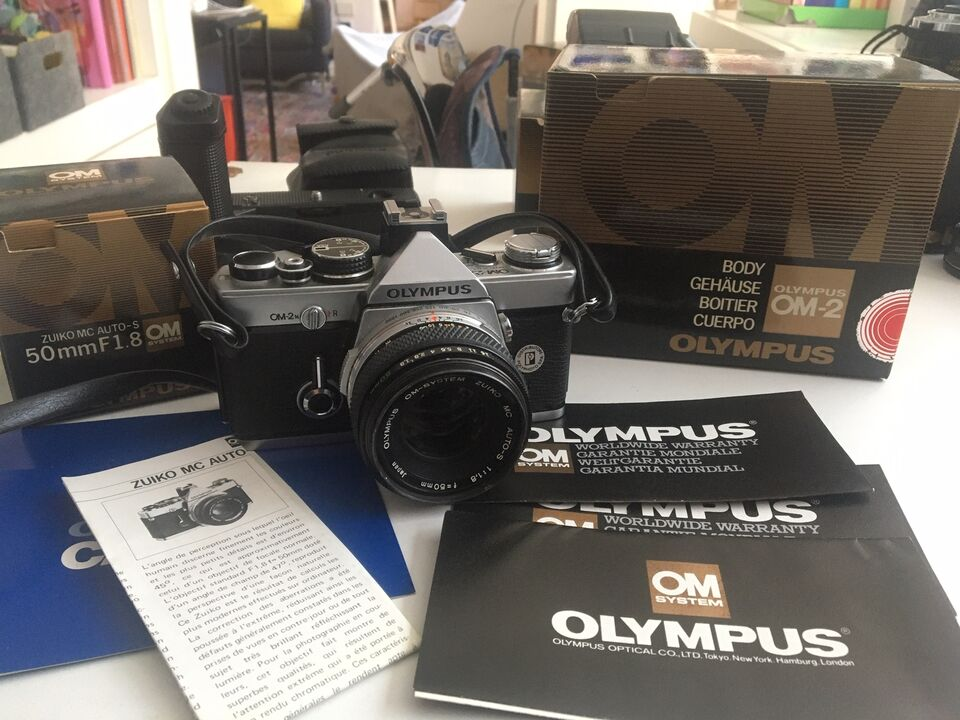 Olympus Om2n con 50mm F/1.8 flash T20 Imballi e...