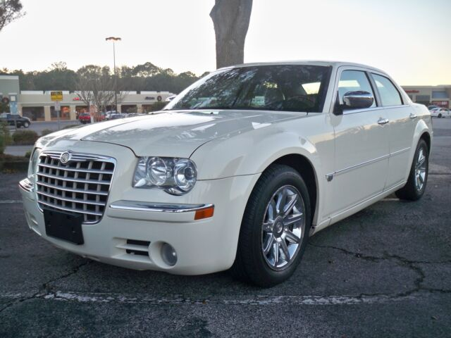2005 chrysler 300c hemi v8 sunroof nav heated seats leather look 99 no reserve used chrysler. Black Bedroom Furniture Sets. Home Design Ideas
