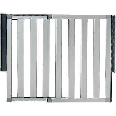 retractable driveway gate