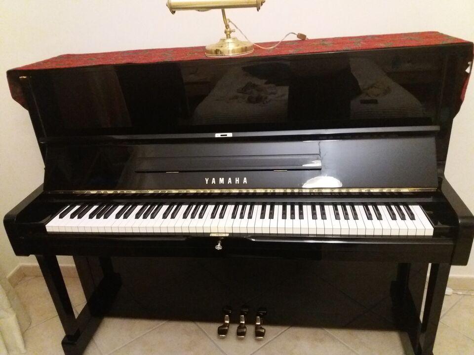 Pianoforte verticale yamaha U1 laccato nero