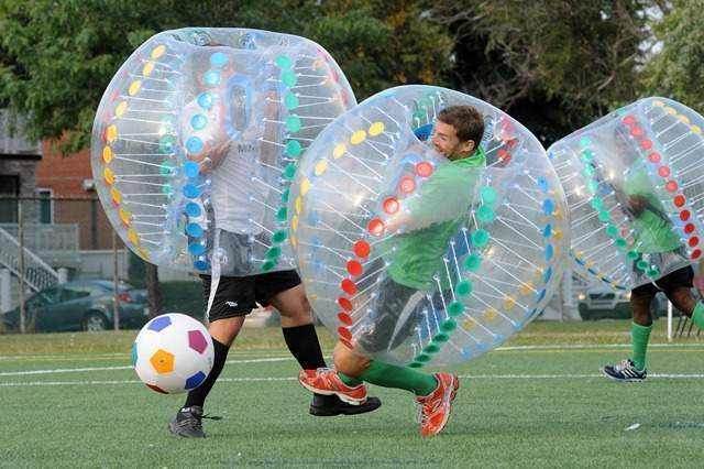 Bubble football con bumper balls