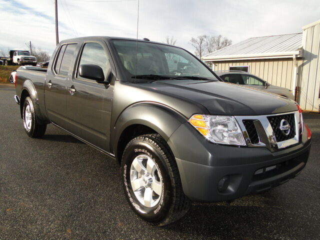 2013 nissan frontier sv 4x4 crew cab rebuilt salvage title repaired damage used nissan. Black Bedroom Furniture Sets. Home Design Ideas