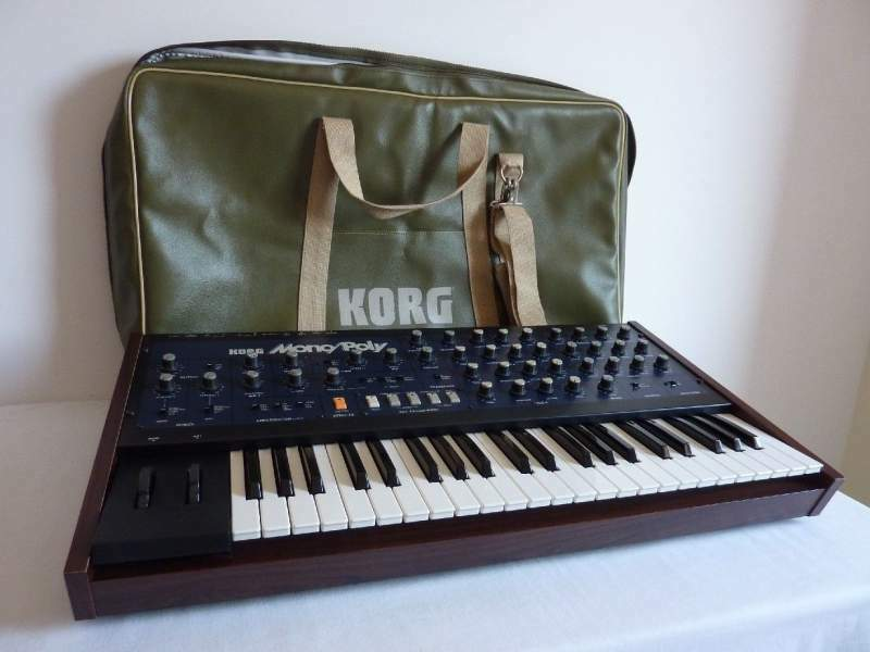Korg MonoPoly con Midipoly