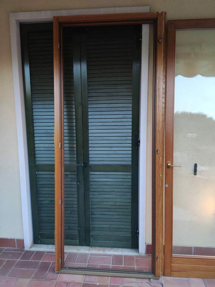 Portafinestra usata in pino completa 100x240 spessore 55 2