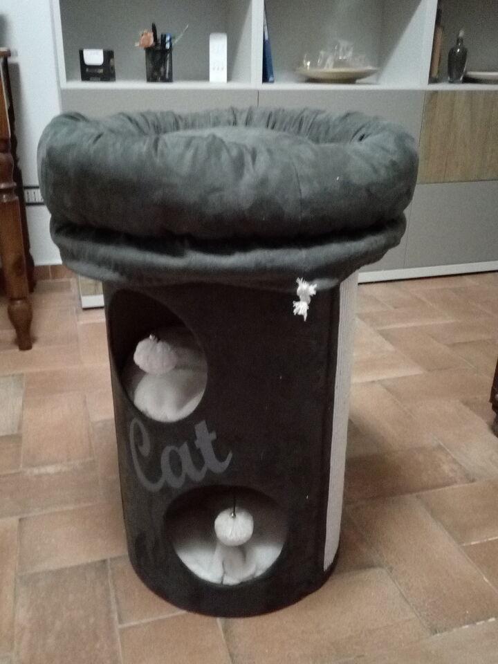 Cuccia - torre per gatti