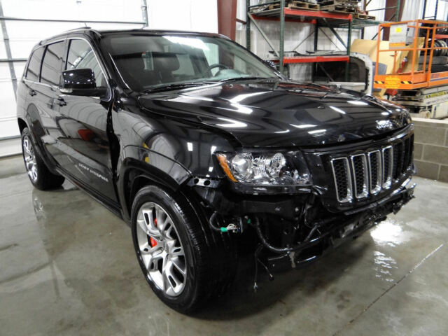 2012 jeep grand cherokee srt8 6 4 hemi 470 hp loaded salvage repairable nice used jeep grand. Black Bedroom Furniture Sets. Home Design Ideas