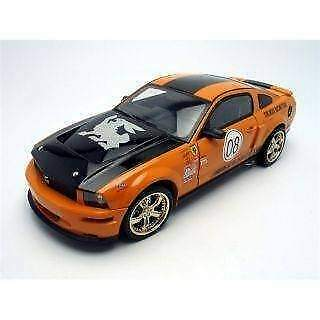 Shelby Collectibles 8TR02 SHELBY MUSTANG TERLINGUA 2008 1/18