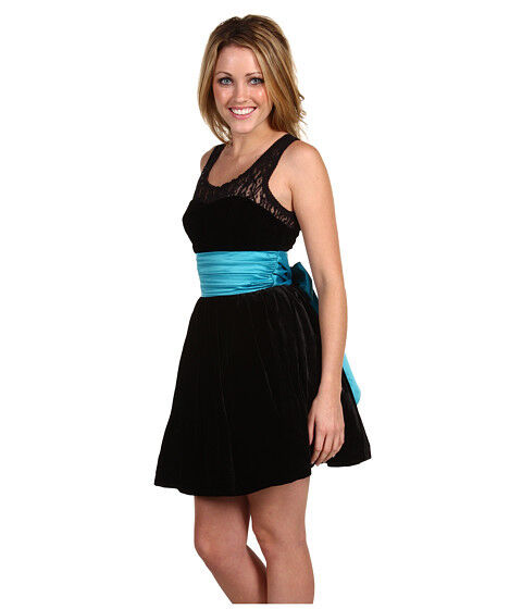 How to Choose a Betsey Johnson Dress
