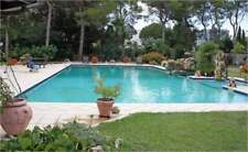 Villa con piscina in collina