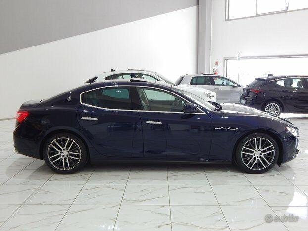 Noleggio Maserati Ghibli per matrimoni ed eventi 6