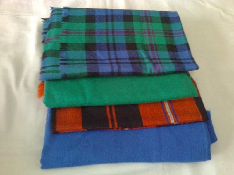 4 Foulards in lana 2