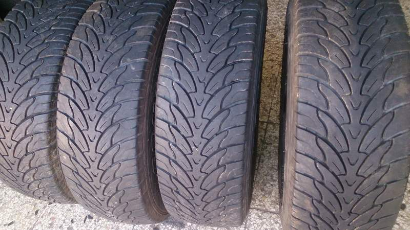 Kit di 4 gomme usate 245/70/16 Federal