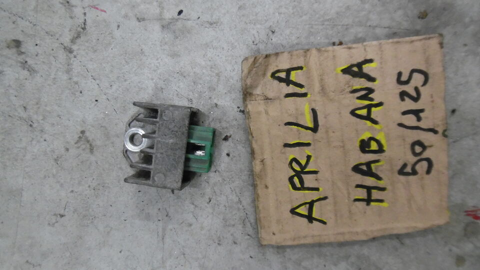 Regolatore di tensione usato aprilia habana 50cc 2t