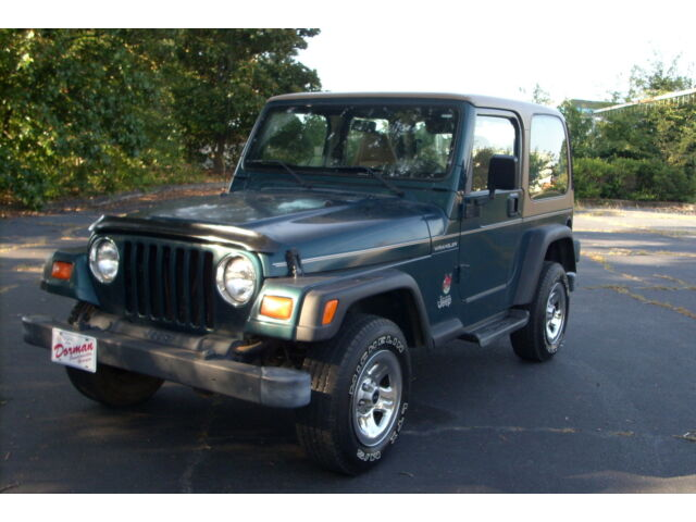 1997 jeep wrangler hard top 4 cylinder 4x4 five speed with ac great fuel mpg used jeep. Black Bedroom Furniture Sets. Home Design Ideas