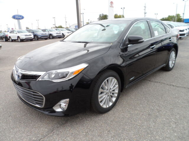 new 2013 toyota avalon xle touring hybrid 40 mpg from a full size car new toyota avalon for. Black Bedroom Furniture Sets. Home Design Ideas