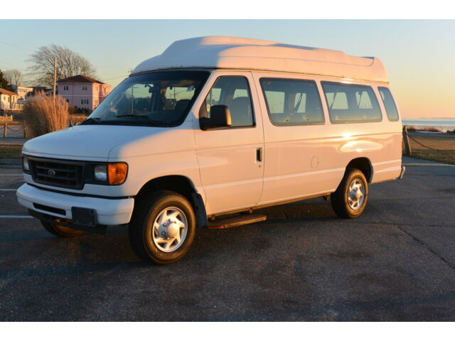 2007 ford e250 xlt 14 passenger high top van shuttle. Black Bedroom Furniture Sets. Home Design Ideas