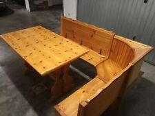 Tavolo e panche in legno per taverna
