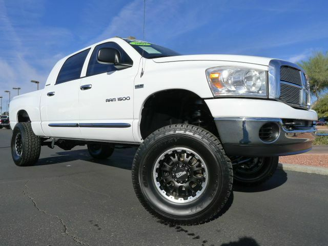 2007 dodge ram 1500 mega cab hemi slt 4x4 used custom lifted used truck for sale used dodge. Black Bedroom Furniture Sets. Home Design Ideas