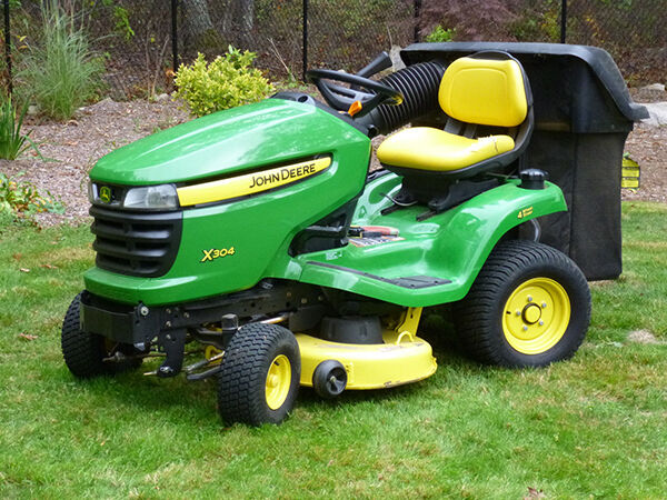 John deere automatic lawn mower car interior design - Lawn mower for small spaces decor ...
