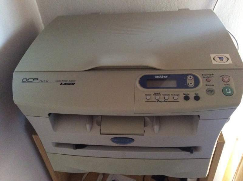 Stampante laser Brother DCP7010