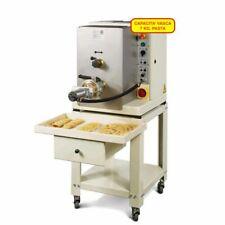 Macchina professionale per la produzione di pasta fresca