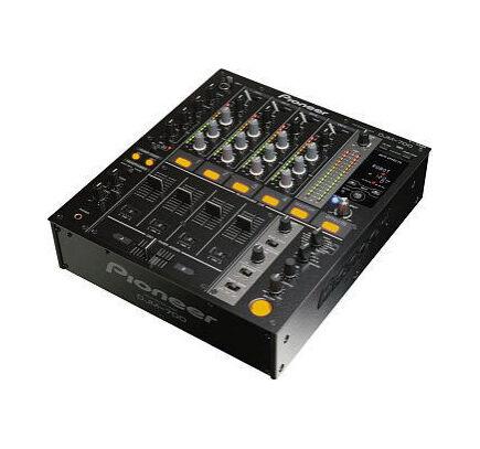 Pioneer DJM-700 Audio Mixer