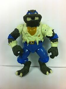 Playmates Toys Leo as the Wolfman Action...