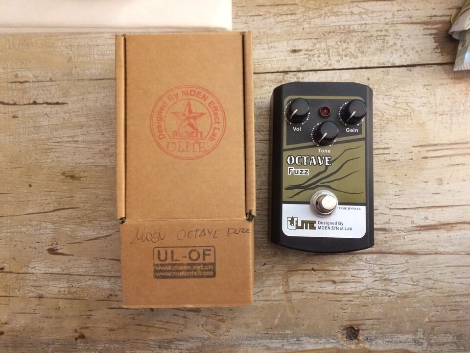 MOEN OCTAVE FUZZ Effetto - Pedale UL-OF con