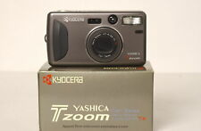 Yashica T ZOOM con Carl Zeiss Vario Tessar 28-70mm f.4,5-8 T*