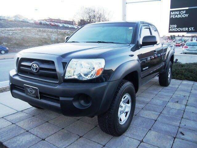 clean carfax automatic warranty dealer inspected used toyota tacoma for sale in peabody. Black Bedroom Furniture Sets. Home Design Ideas