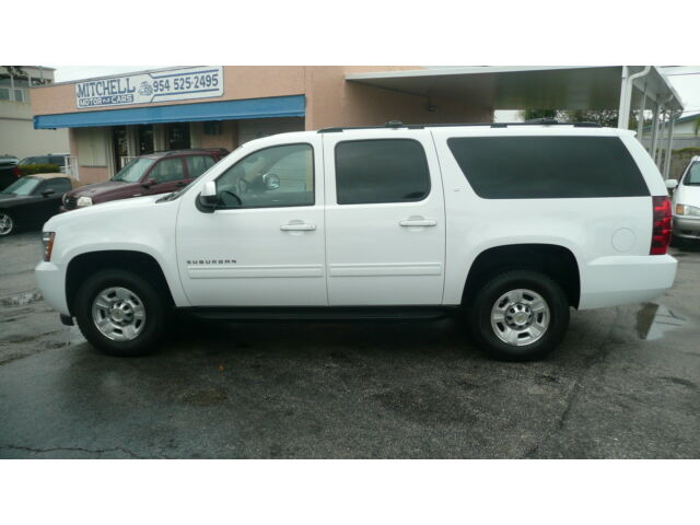2013 chevy suburban k 2500 lt 4x4 only 11 645 miles 1 owner rare 3 4 ton used chevrolet. Black Bedroom Furniture Sets. Home Design Ideas