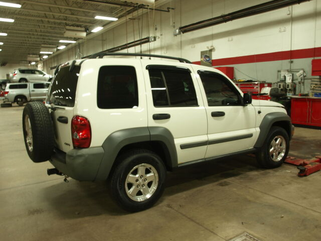 diesel turbo crd jeep liberty 4wd suv white 4cyl 2005 used jeep liberty for sale in. Black Bedroom Furniture Sets. Home Design Ideas