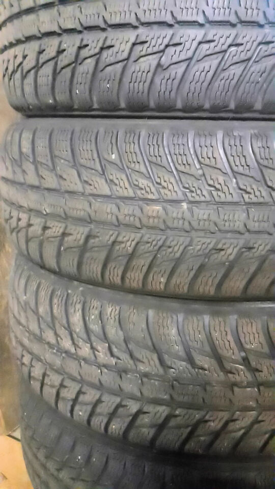 4 gomme invernali 235 65 R17