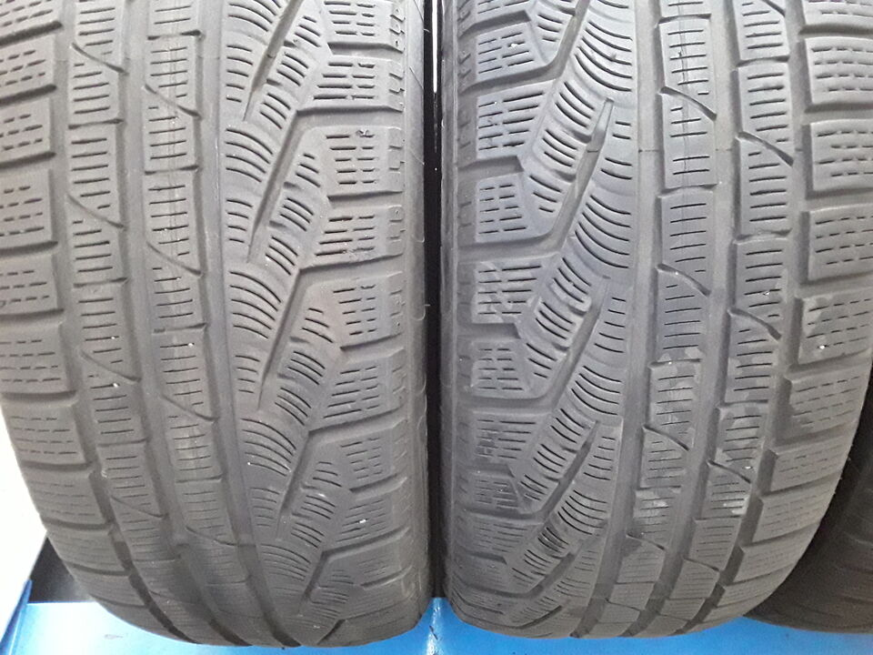 4 gomme usate Pirelli 235 50 19 99h invernale 2