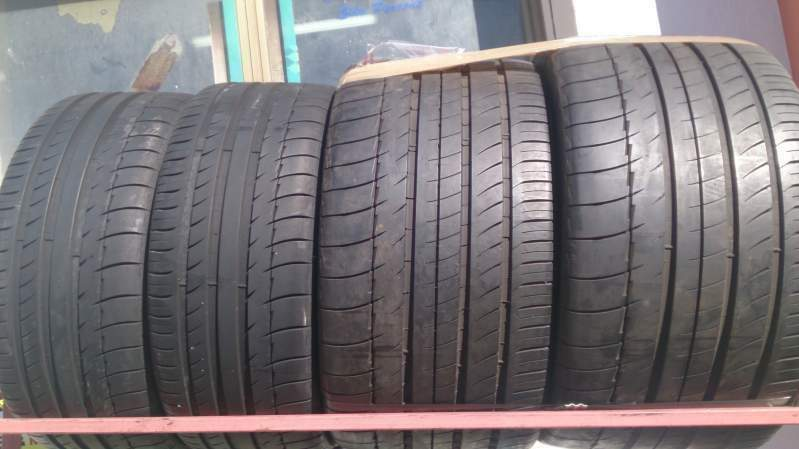 2 pneumatici 305/30/19 e due pn. 235/35/19 Michelin