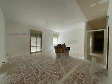 Proponiamo appartamento in vendita di mq 115 circa, posto al piano ria