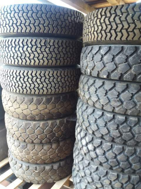 Gomme 255/100R16 900/R16 2