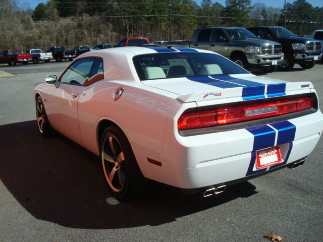 New 2011 Dodge Challenger Srt-8 392 6.4l Hemi 6 speed