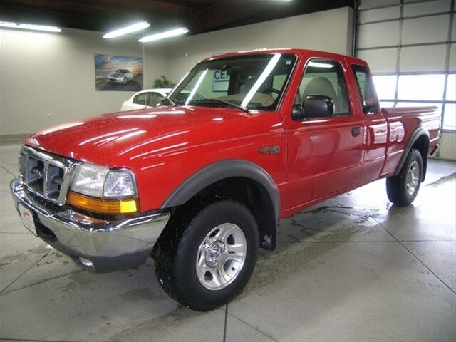 Red Extended Cab 4X4 truck automatic 4WD XLT V6