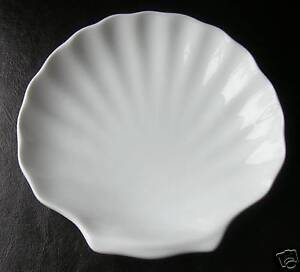 New - 2 x White Ceramic Porcelain Scallop Shell Dishes 6