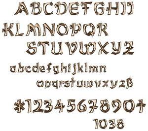 Grabschrift/Buchstaben/Bronze/Grablampe/Grabstein