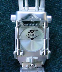 New-Edge-Co-Machine-III-Futuristic-Novelty-Wrist-Watch