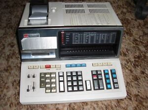 Sharp-Compet-PC-2600-Historischer-Computer-Sammlerstueck-Uraltcomputer