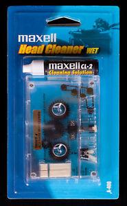 CASSETTE-DECK-PLAYER-HEAD-CLEANER-MAXELL-wet